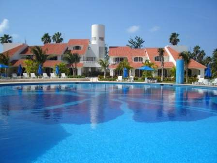 Hotel villa vera puerto isla mujeres m xico pricetravel for Villas kabah cancun ubicacion