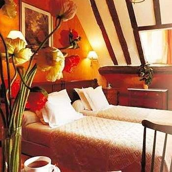 h tel saint roch par s francia informaci n del hotel pricetravel. Black Bedroom Furniture Sets. Home Design Ideas