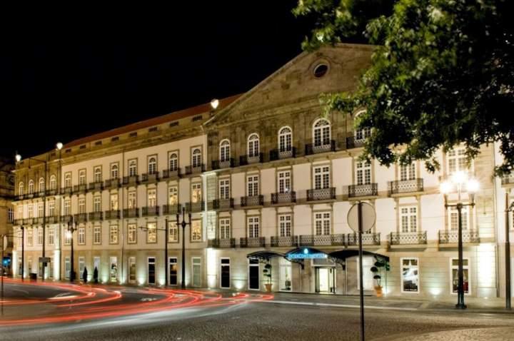 hotel intercontinental porto palacio das cardosas oporto portugal pricetravel. Black Bedroom Furniture Sets. Home Design Ideas