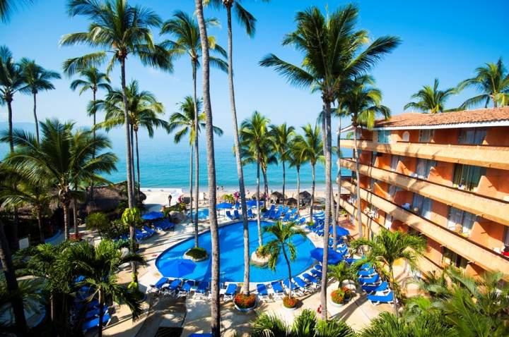 Hotel las palmas by the sea all inclusive puerto vallarta for Hoteles puerta del sol baratos