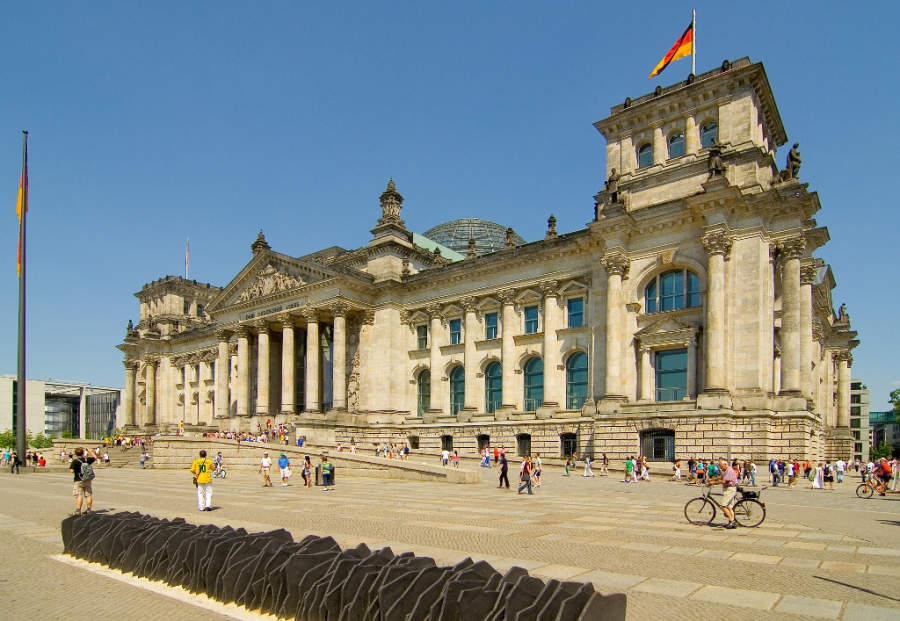 En el Edificio Reichstag se reúne el parlamento alemán