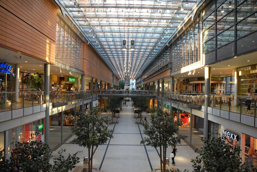 Interior del centro comercial ubicado en Potsdamer Platz