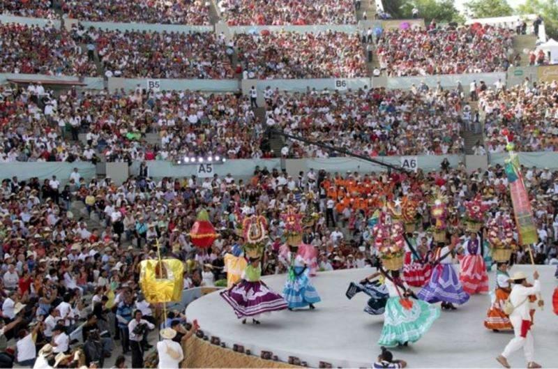 La Guelaguetza forma parte de los cultos populares a la Virgen del Carmen