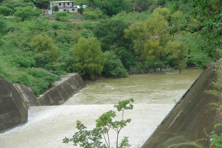 La Presa Jalpan tiene una extensión de 443 hectáreas