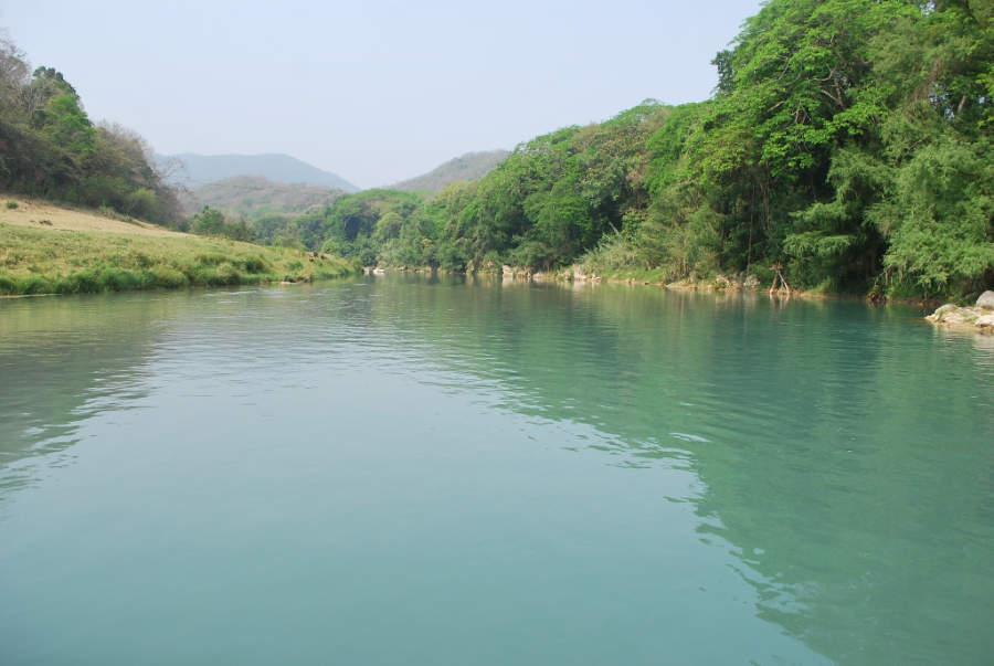 Vista del río Tanchanaquito en Valle Verde, Jalpan de Serra