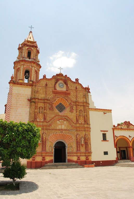 Fachada de la Iglesia de Santiago de Jalpan en Jalpan de Serra