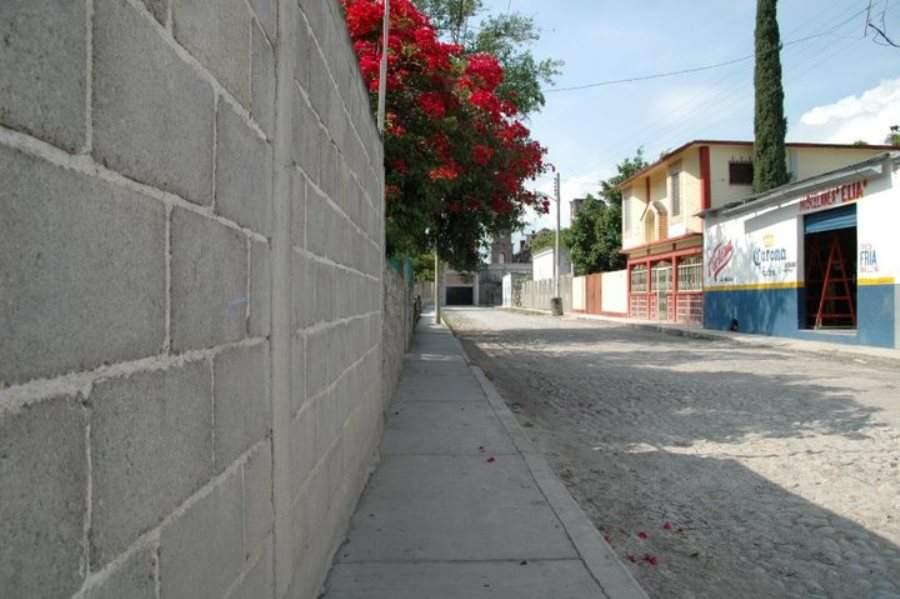 Calle en el poblado de Arroyo Seco, Querétaro