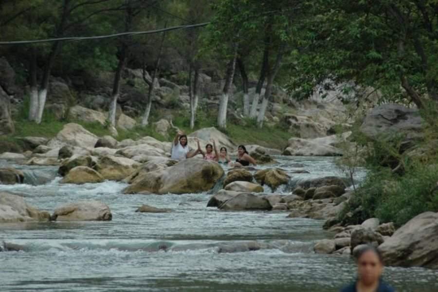 En los ríos a las afueras de Arroyo Seco puedes practicar la pesca