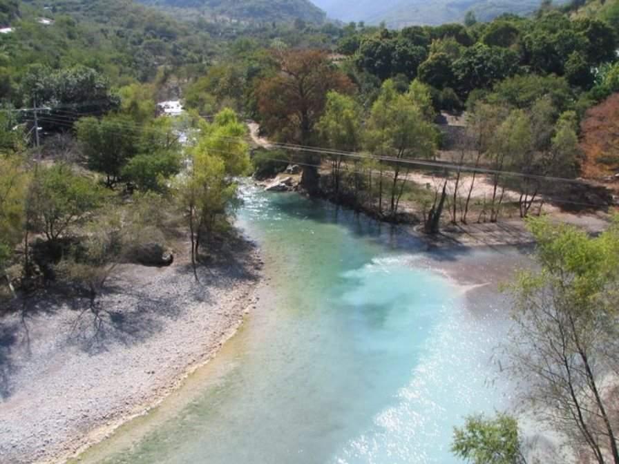 Vista de un río en Arroyo Seco