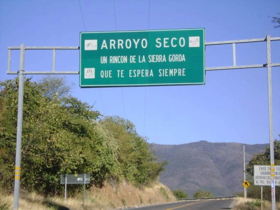 Entrada a la comunidad de Arroyo Seco en la Sierra Gorda de Querétaro