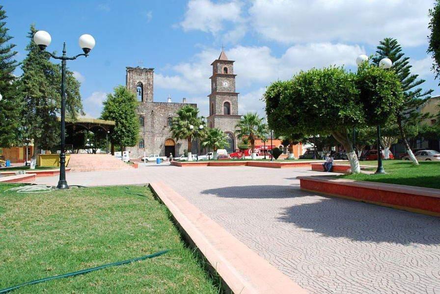 Jardín Mariano Escobedo en Arroyo Seco