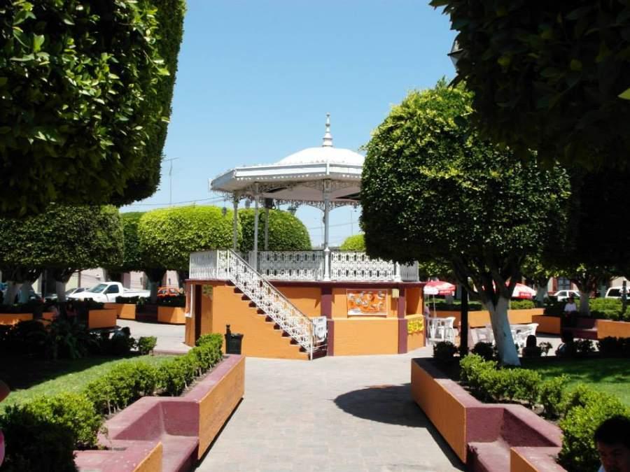 En San Juan del Río puedes conocer la Plaza de los Fundadores