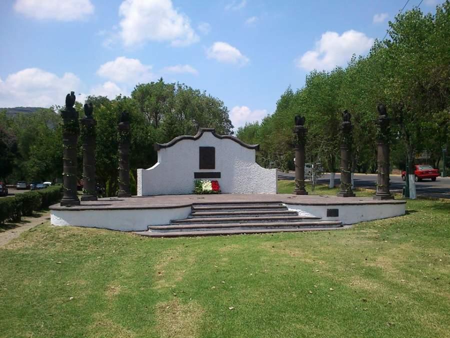 Monumento en memoria a los Niños Héroes de Chapultepec en San Juan del Río