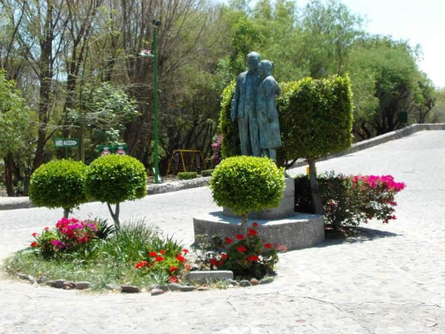 Las principales calles de San Juan del Río está decoradas con esculturas