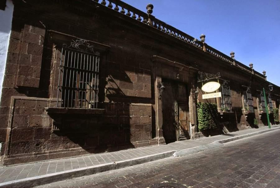 Casa de Cantera, edificación que data de la época colonial en San Juan del Río