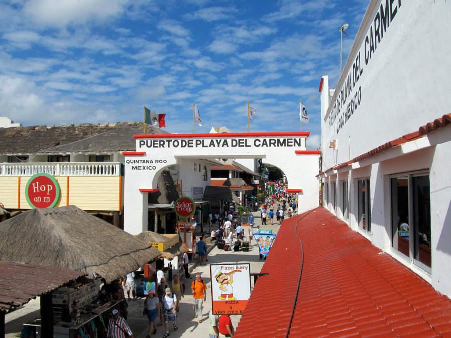 Terminal marítima en Playa del Carmen