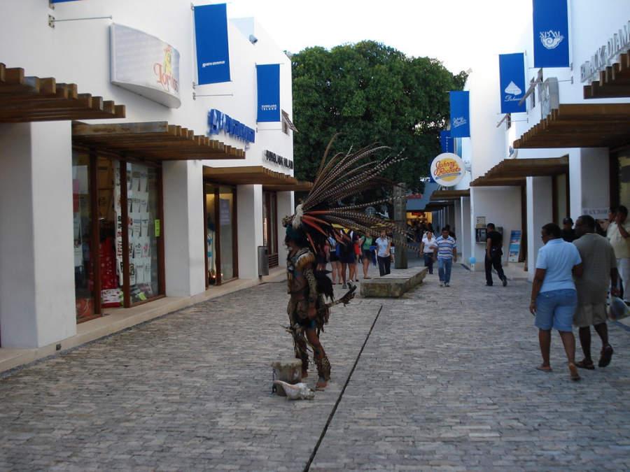 Plaza comercial en Playa del Carmen