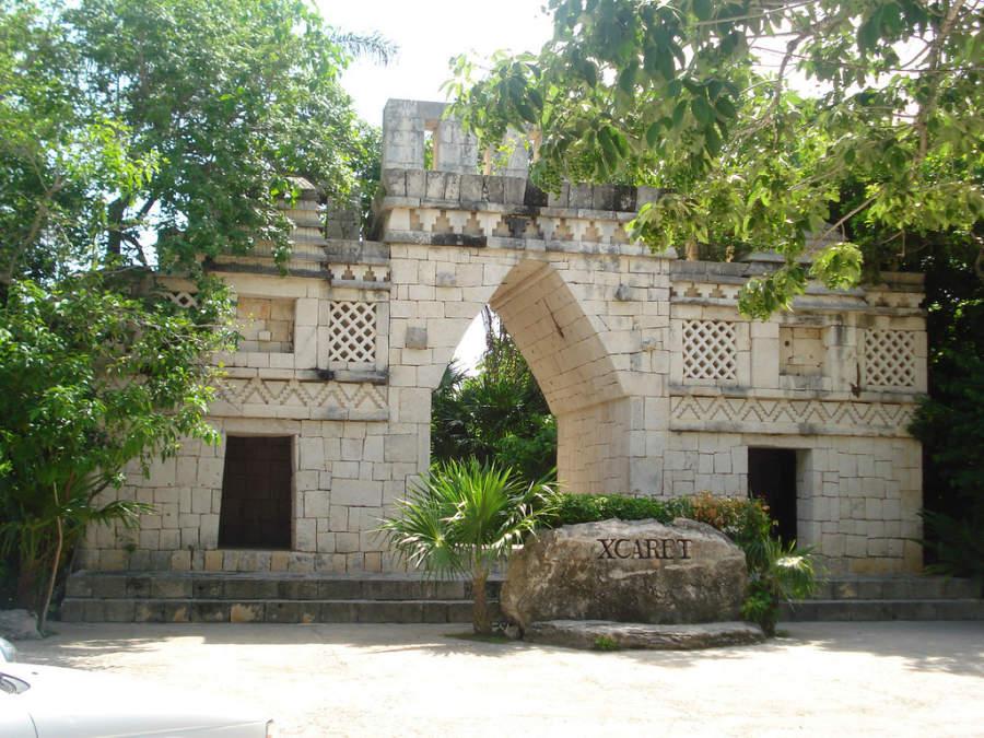 Xcaret es un parque ecológico ubicado a 7 kilómetros de Playa del Carmen
