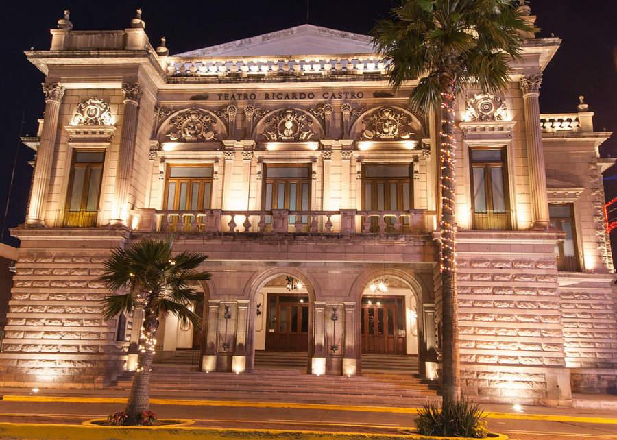 El Teatro Ricardo Castro se localiza en el centro de Durango