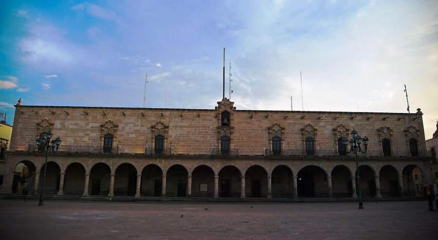 Fachada principal del Palacio de Zambrano