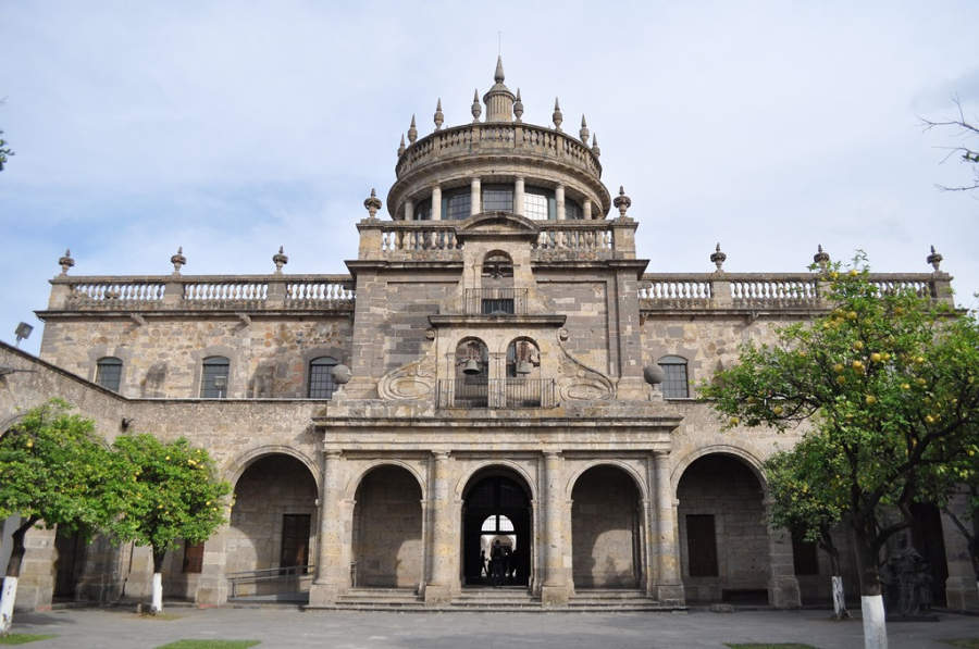 Vista exterior del Hospicio Cabañas en la ciudad de Guadalajara