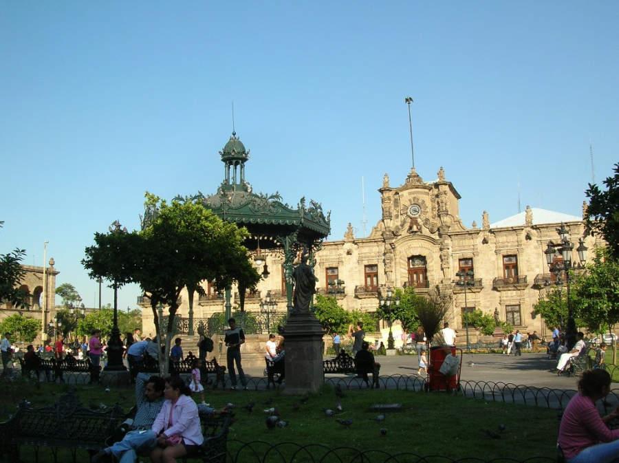 Palacio de Gobierno y Plaza de Armas de Guadalajara