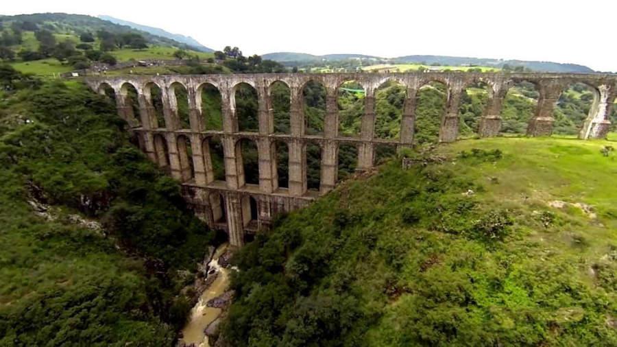 A 29 kilómetros de Tepotzotlán está un acueducto conocido como los Arcos del Sitio