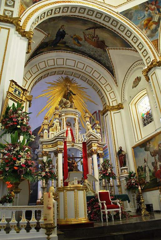 Interior de la Iglesia de San Pedro Apóstol en Tepotzotlán