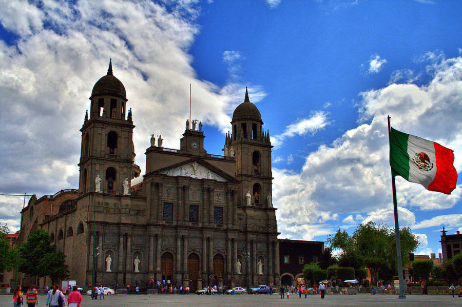 Fachada principal de la Catedral de Toluca construida entre 1867 y 1918