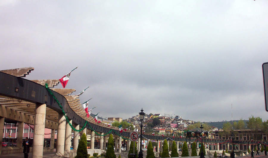 El Zócalo de Toluca de Lerdo es conocido como Plaza de los Mártires