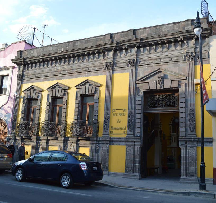 Fachada y entrada al Museo de Numismática de Toluca