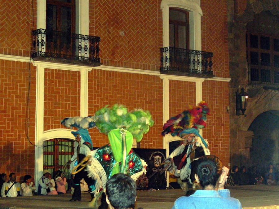 Espectáculo nocturno en el Zócalo de Tlaxcala