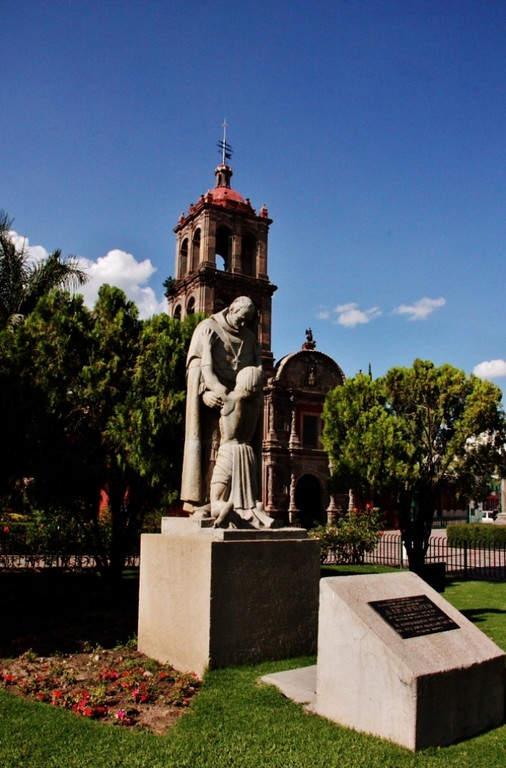 Monumento a Vasco de Quiroga en Irapuato