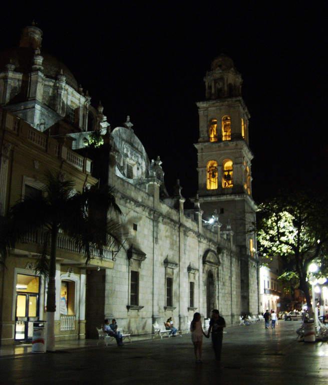 Anochecer en el centro histórico de Veracruz