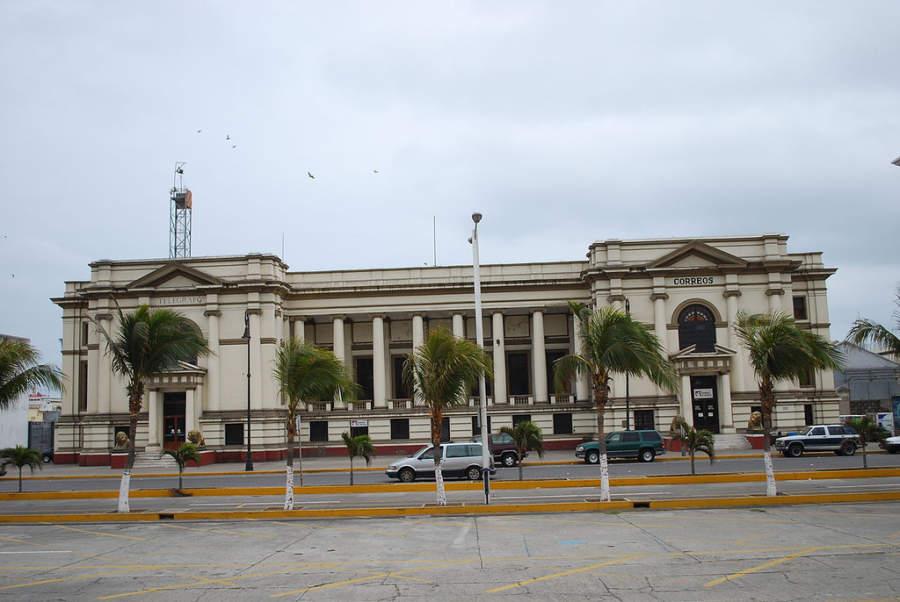 Vista de las antiguas oficinas de correo y telégrafos en Veracruz