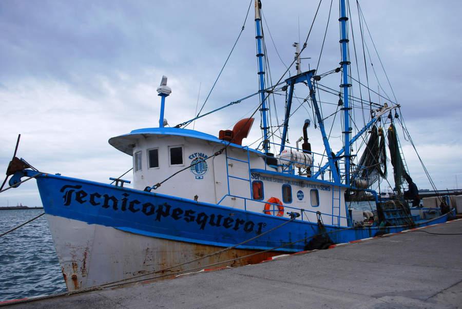 Barco pesquero en el muelle de Veracruz