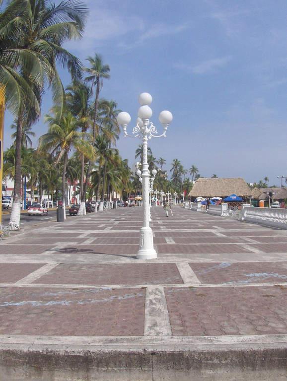 Da un paseo por el Malecón de Veracruz