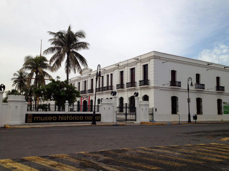Vista exterior del Museo Histórico Naval en el Puerto de Veracruz