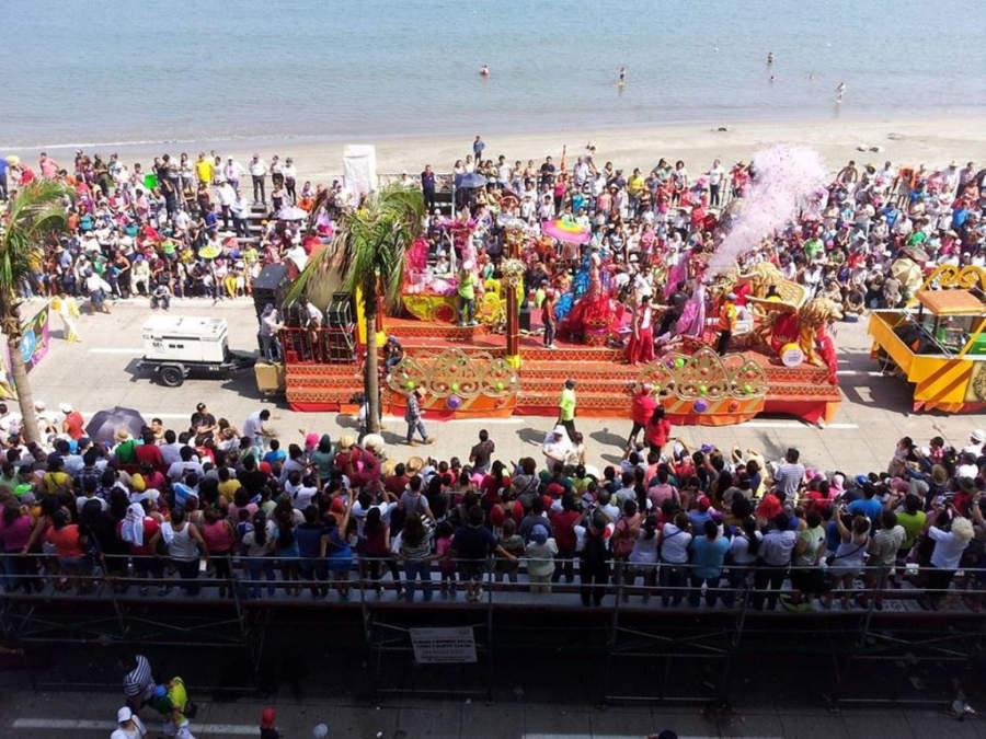 Carros alegóricos en el Carnaval de Veracruz