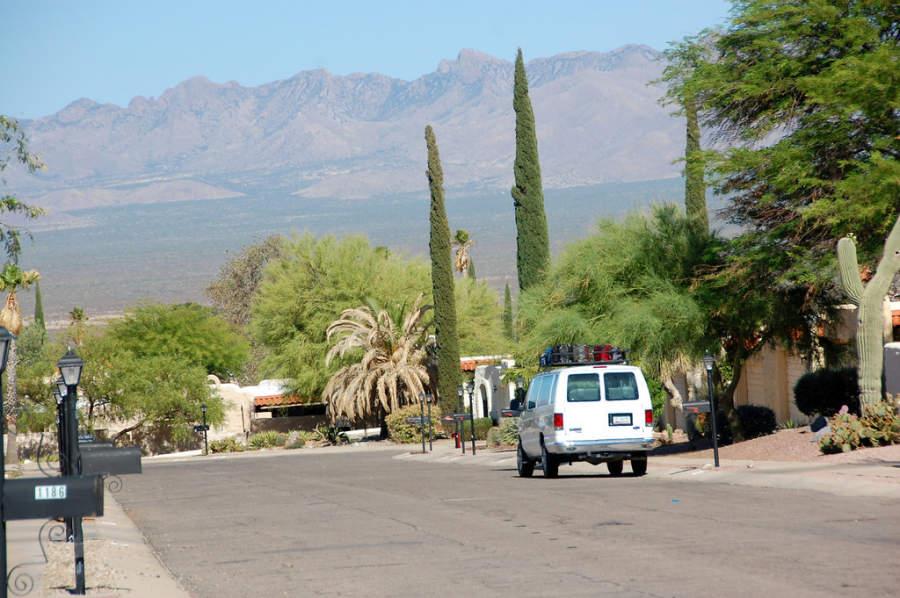 Amplia avenida en Nogales, Sonora