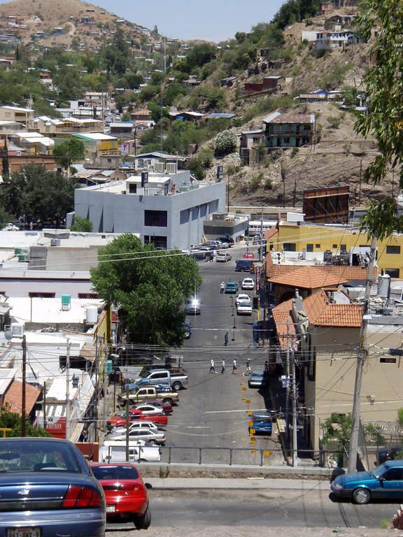 Vista de casas en la calle Pierson en Nogales