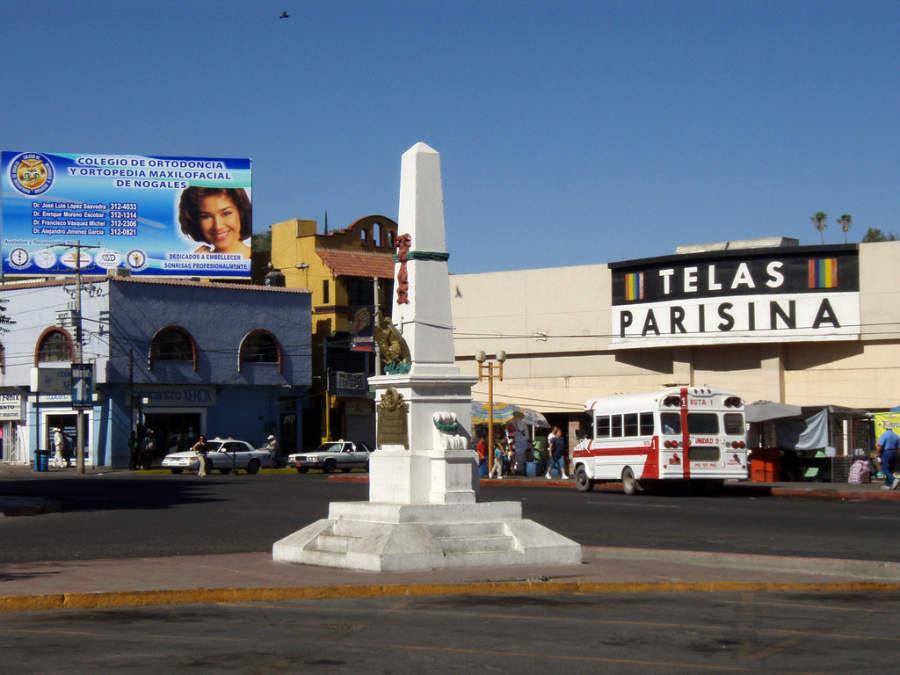 Monumento en en el centro de Nogales