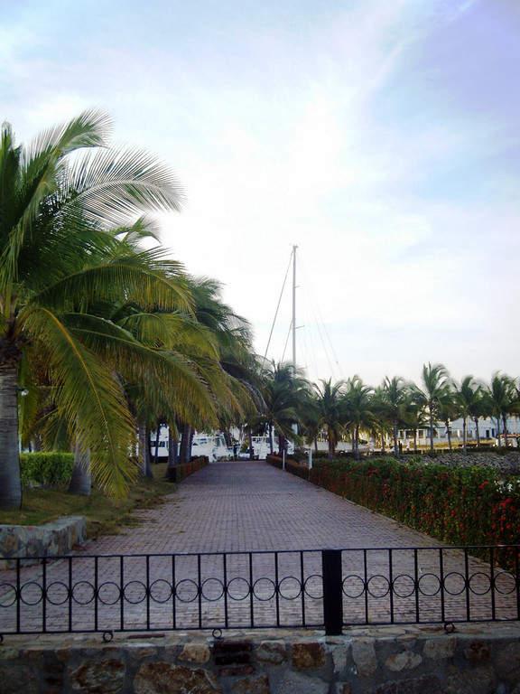 Malecón en Barra de Navidad