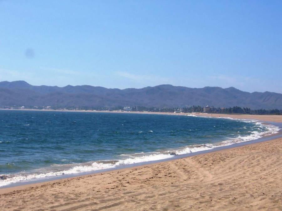 Disfruta de las playas en Barra de Navidad y sus alrededores