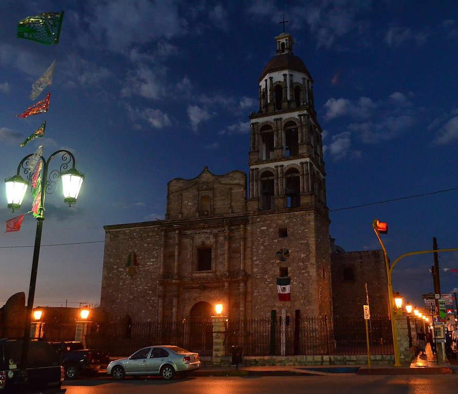 Parroquia de Santiago Apóstol en el centro de Monclova