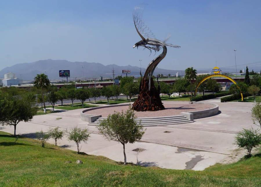 Monumento Ave Fénix en Monclova, Coahuia