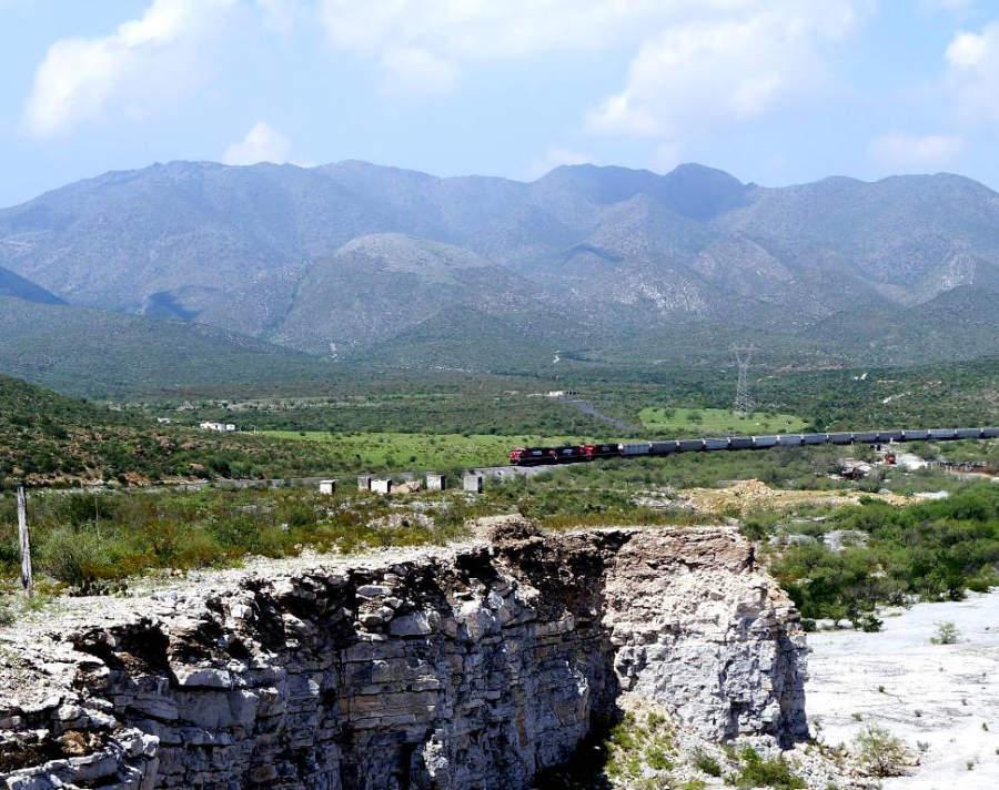 Vista del Ferrocarril Mexicano en Monclova