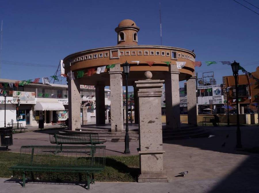 Monclova cuenta con varias plazas decoradas con bellos quioscos