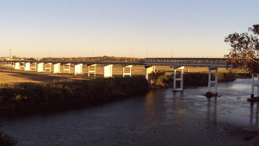 Puente internacional situado en Piedras Negras