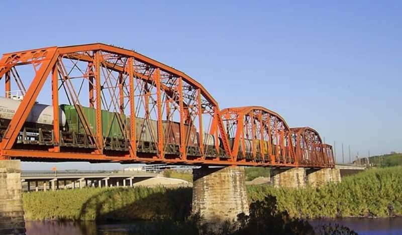 El Puente Charles Fisby es un puente internacional ferroviario de Piedras Negras